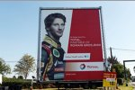 Romain Grosjean (Lotus) auf einem Werbeplakat in Spa-Francorchamps