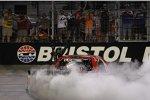 Kyle Busch feiert seinen 14. Bristol-Sieg