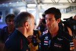 Mark Webber (Red Bull) und Franz Tost (Toro Rosso)