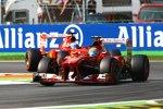 Felipe Massa vor Fernando Alonso (Ferrari)