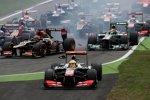 Sergio Perez (McLaren) muss geradeaus...