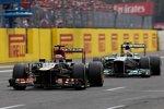 Kimi Räikkönen (Lotus) und Lewis Hamilton (Mercedes)