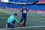 Kyle Busch übt sich als Kicker der New England Patriots