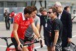 Jules Bianchi (Marussia) mit Manager Nicolas Todt