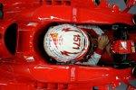 Fernando Alonso (Ferrari) feiert seinen Punkterekord mit einem Spezialhelm
