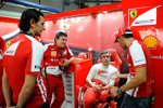 Die Ferrari-Spanier unter sich: Pedro de la Rosa, Fabrizio Borra, Fernando Alonso und Marc Gene