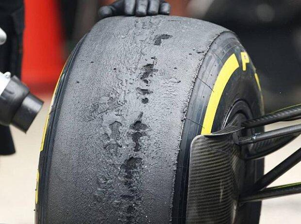 Pirelli-Reifen mit Blasenbildung