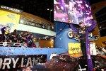 Sieg beim Saisonfinale: Denny Hamlin (Gibbs) in der Victory Lane