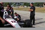 Will Power macht den Shakedown, Juan Pablo Montoya beobachtet noch