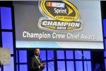 Chad Knaus holt den Crewchief-Award