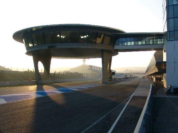 Boxengasse in Jerez