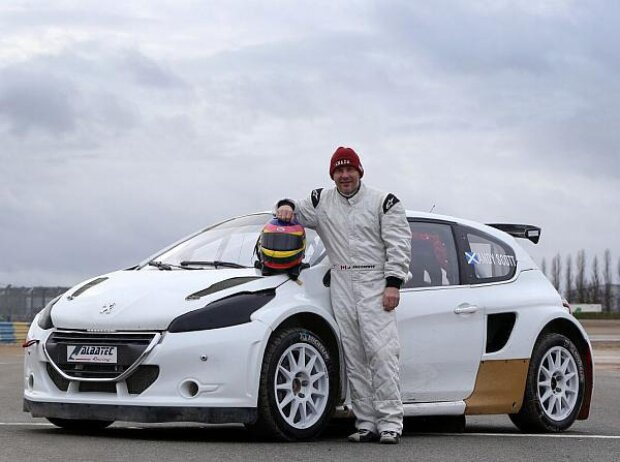 Jacques Villeneuve und der Peugeot 208