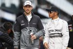 Jenson Button (McLaren) und Lewis Hamilton (Mercedes)