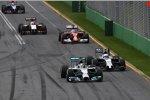 Lewis Hamilton (Mercedes), Kevin Magnussen (McLaren), Fernando Alonso (Ferrari) und Nico Hülkenberg (Force India)