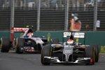 Adrian Sutil (Sauber) und Daniil Kwjat (Toro Rosso)