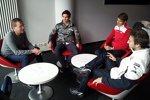 Red-Bull-Sportdirektor Ralf Rangnick im Gespräch mit Robert Wickens, Nico Müller und Antonio Felix da Costa