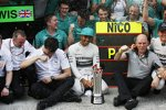 Lewis Hamilton (Mercedes), Toto Wolff und Nico Rosberg (Mercedes)