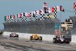 Die Top 3 des Saisonauftakts: Will Power (Penske), Ryan Hunter-Reay (Andretti) und Helio Castroneves (Penske)