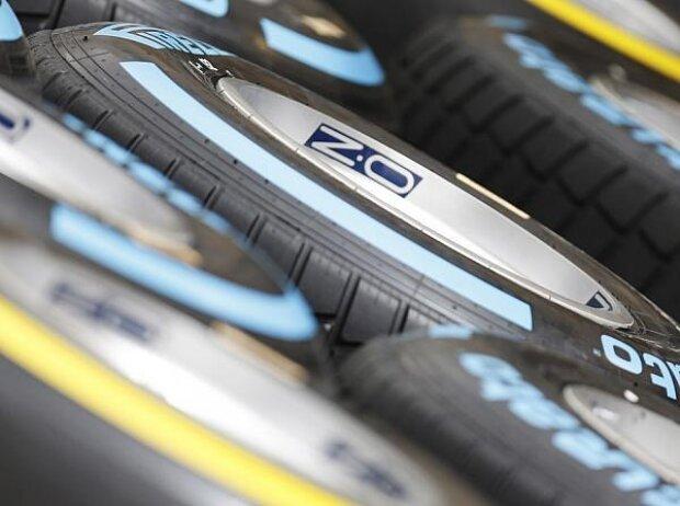 Pirelli-Regenreifen