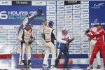 Überschäumende Freude bei Anthony Davidson, Sebastien Buemi und Nicolas Lapierre (Toyota)