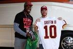 Dale Earnhardt Jun. und Robert Griffin III, Quterback der Washington Redskins