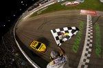 Joey Logano (Penske) gewinnt ein denkwürdiges Richmond-Rennen