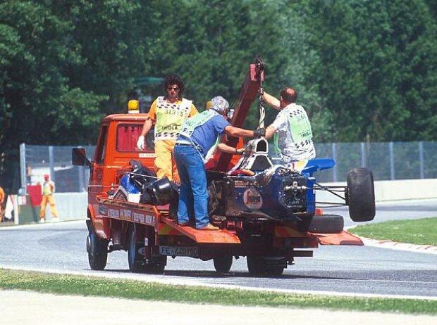 Senna-Wrack auf dem Abschleppwagen