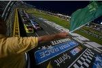 Start zum Truck-Rennen mit Kyle Busch und Matt Crafton in Reihe eins