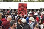 Fans unterstützen Lewis Hamilton