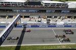 Jenson Button (McLaren), Sebastian Vettel (Red Bull), Pastor Maldonado (Lotus), Sergio Perez (Force India), Adrian Sutil (Sauber) und Jean-Eric Vergne (Toro Rosso)