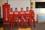 Marc Gene, Kimi Räikkönen (Ferrari), Fernando Alonso (Ferrari) und Jules Bianchi (Marussia)