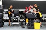 Pirelli-Mechaniker bei der Arbeit