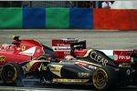 Pastor Maldonado (Lotus) und Kimi Räikkönen (Ferrari)