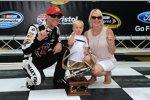 Sprint-Cup-Polesitter Kevin Harvick mit Ehefrau DeLana und Sohn Keelan