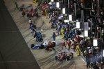 Hochbetrieb an der Box: Scott Dixon (Ganassi), James Hinchcliffe (Andretti) und Tony Kanaan (Ganassi)