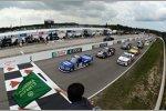 Start zum Truck-Rennen in Mosport mit Alex Tagliani an der Spitze