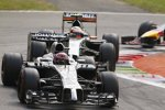 Jenson Button (McLaren) und Sergio Perez (Force India)