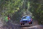 Thierry Neuville (Hyundai) und Nicolas Gilsoul (Hyundai)