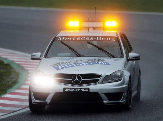 Medical-Car unterwegs zu Jules Bianchi
