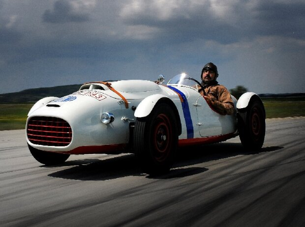 Wieder ganz der Alte: ?KODA 966 Supersport. Der ?KODA 966 Supersport ist im Jahre 1950 in drei Exemplaren entstanden, erhalten blieb jedoch nur einer.