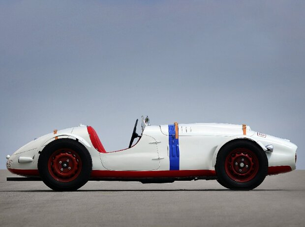 Wieder ganz der Alte: ?KODA 966 Supersport. Der Rennwagen ?KODA 966 Supersport mit Aluminiumkarosserie wurde 1950 vorgestellt. Kennzeichnen für das Modell war die hohe Variabilität.