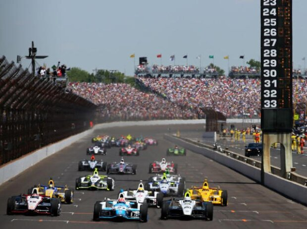 James Hinchcliffe Indy 500 2014 Start