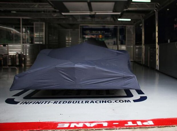 Red Bull RB9 Box Sepang