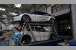 WTCC-Autos bei der Verladung in Frankfurt-Hahn