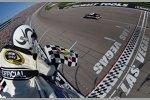 Kevin Harvick gewinnt das Kobalt 400 von Las Vegas