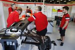 Roberto Merhi (Manor Marussia) und Will Stevens (Manor Marussia)
