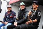 Carlos Sainz jun. (Toro Rosso), Nico Hülkenberg (Force India) und Lewis Hamilton (Mercedes)