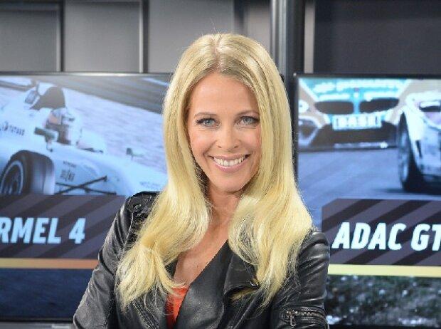 Das neue SPORT1-Gesicht: Julia Josten moderiert die Übertragungen des ADAC GT Masters und der ADAC Formel 4
