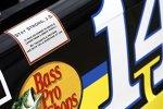 Genesungswünsche für den erkrankten J.D. Gibbs am Stewart/Haas-Chevy von Ex-Gibbs-Pilot Tony Stewart