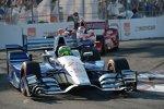 Simona de Silvestro (Andretti) vor Scott Dixon